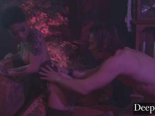 Psychedelic nightclub porn Honey Gold