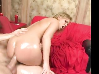 Fucks a beautiful woman with a big booty in oil