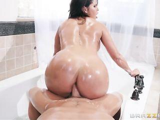 Diamond Kitty gets dick in big ass
