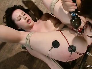 Lindy Lane's orgasms from electro stimulation
