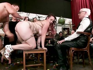 Fucks asshole bound girl in the BDSM club