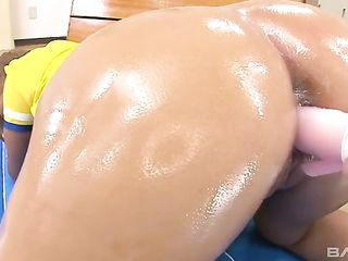 Soccer players have fun with cheerleader and experience sex toys on her pussy