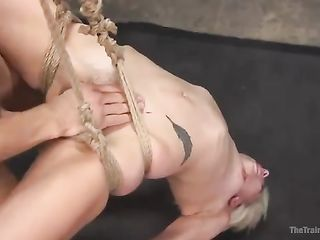 Tied Eliza Jane hangs upside down during sex