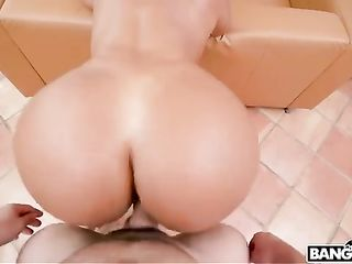 Rose Monroe's perfect ass rides in front of the camera during sex
