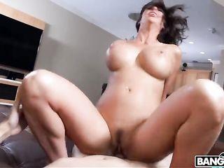Huge ass shakes during sex close-up