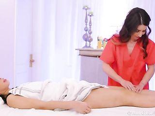 Serena Blair massages Jade Kush
