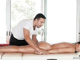 Super sex with Rachel Starr after a massage