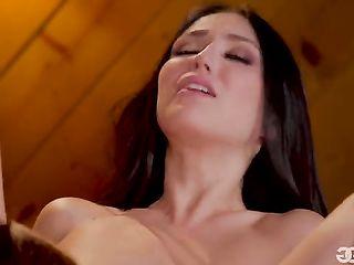 Passionate sex between Jade Baker and Vanna Bardot
