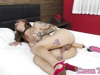 Isa Lawrence enjoying anal stimulation moon