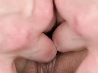 Blonde spreads Sereyna Gomez's pussy with her fingers