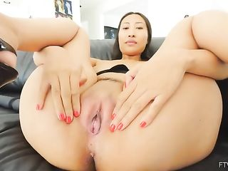 Taika shows her pussy in a spread