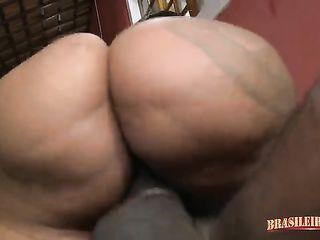 Fucking a giant ass
